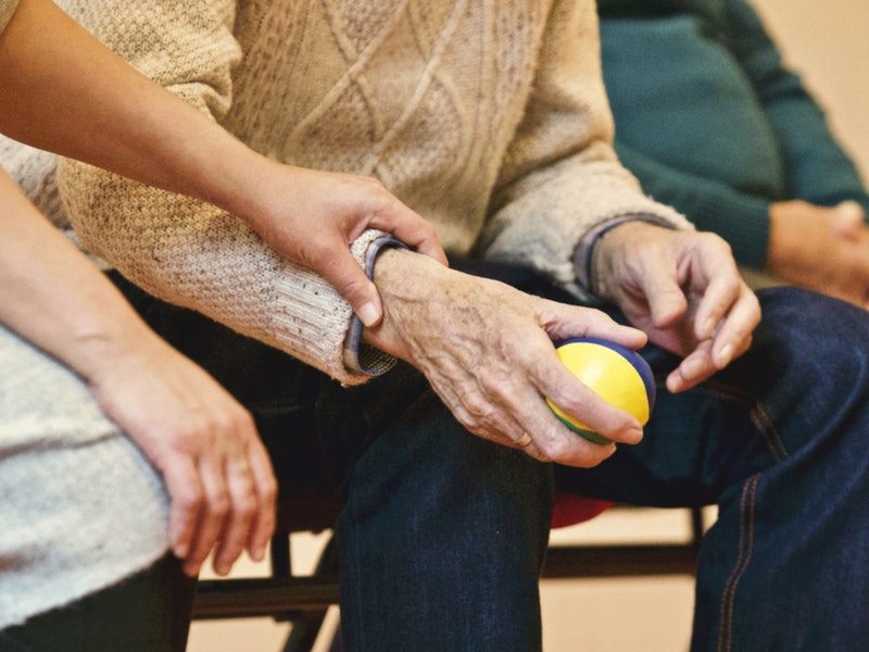 "Photo of Projekt ""Zaštita prava starijih osoba – promocija, informacija, edukacija"" provodi se na području pet županija"