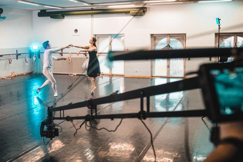 """Photo of Toni Cetinski u društvu baletnih prvaka HNK, zaplesao """"Kao u snu""""!"""