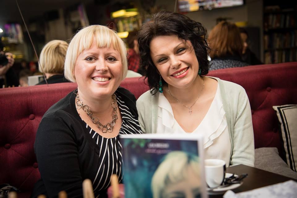Photo of FOTO Sinoć u Otočcu u book cafe-u Paradiso održana još jedna književna večer