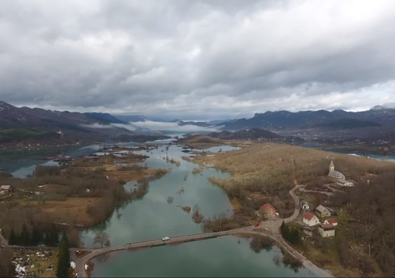 Photo of VIDEO Pogled iz zraka na poplavljeni Kosinj