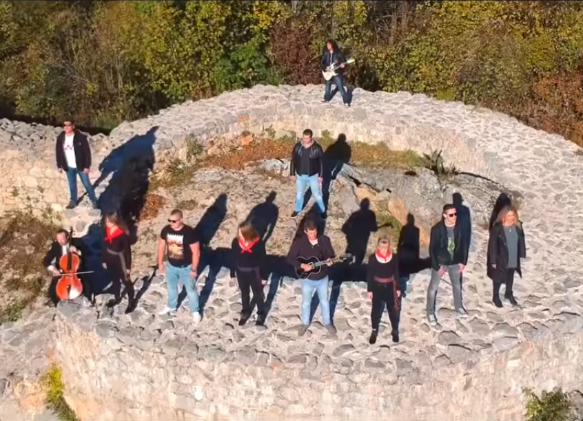 Photo of VIDEO Utvrde Nehaj i Fortica u novom spotu Razbijača čaša!