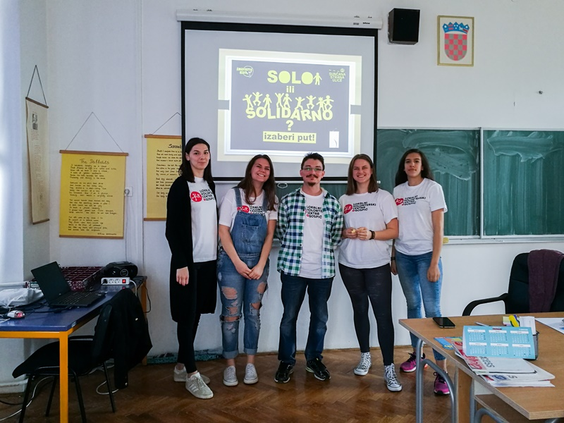 "Photo of Mladi aktivisti iz Gospića poručuju: ""Pomaganjem drugima pomažemo sebi!"""