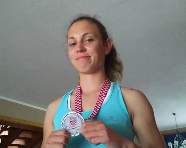 Photo of Perušićanka Mirna Dasović osvojila još jedno srebro na Jarunu!