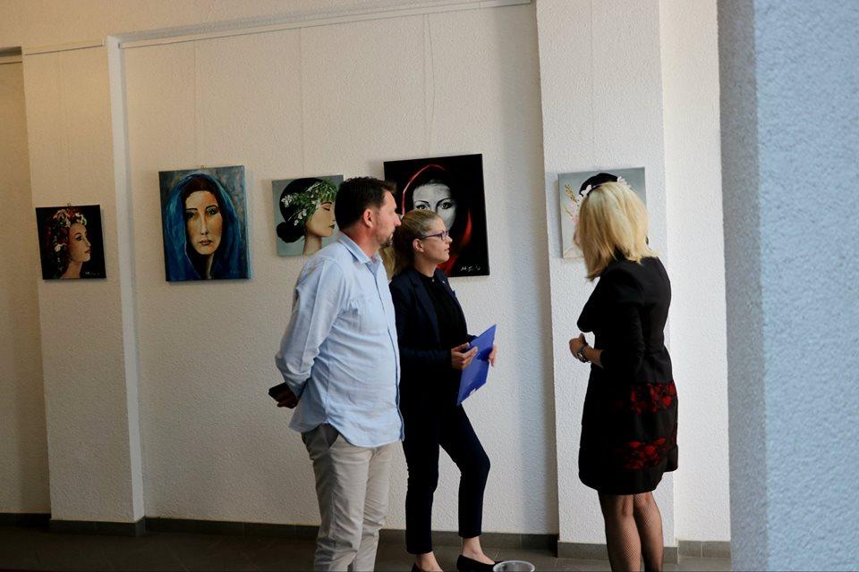Photo of ŽENA KAO INSPIRACIJA U Slunju otvorena izložba slikarice Mirjane Modrušan
