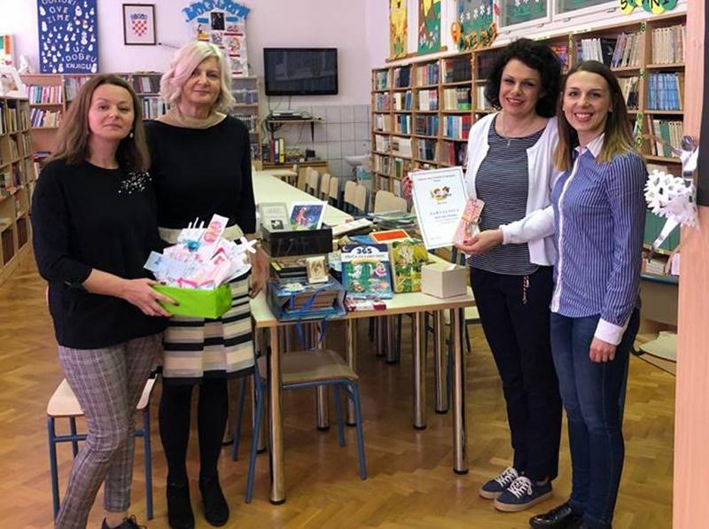 Photo of OTOČAC Book cafe Paradiso i OŠ Zrinskih i Frankopana prikupili knjige za područnu školu