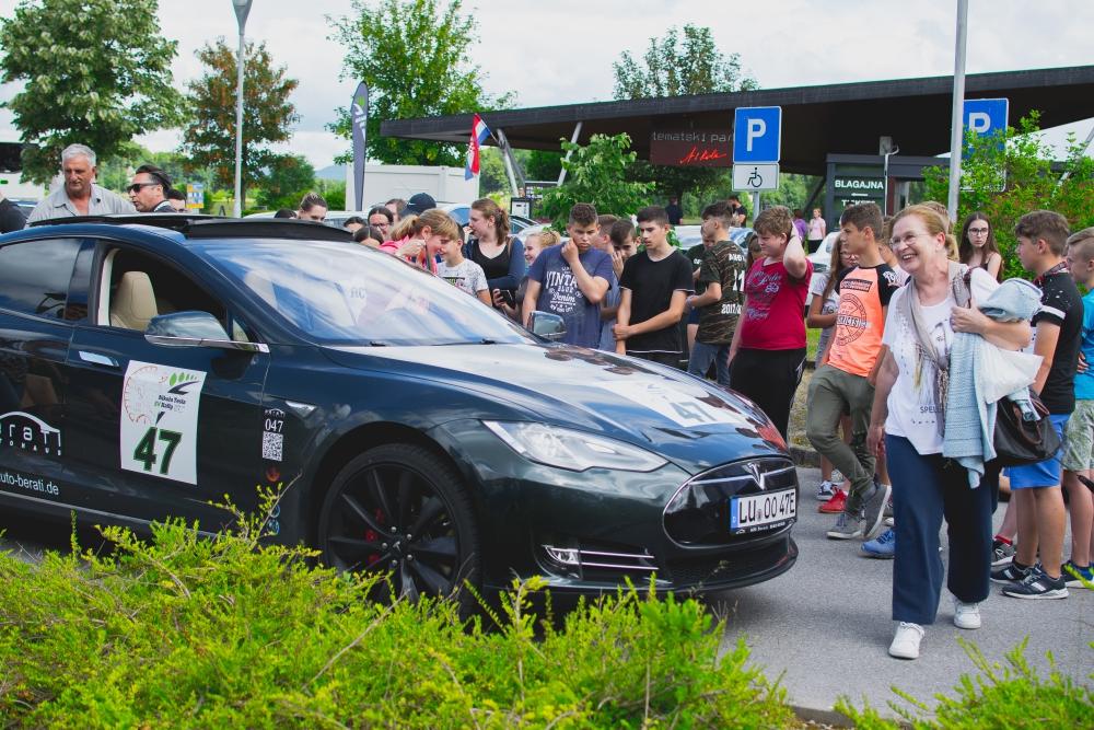 Photo of FOTO Nikola Tesla EV Rally 2018. stigao do rodnog mjesta Nikole Tesle!