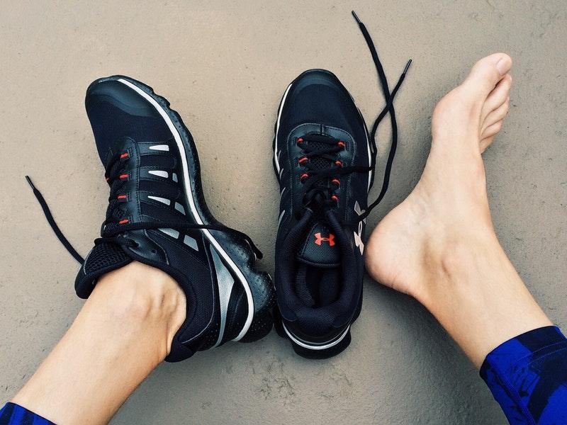 Photo of Trikovi protiv neugodnog mirisa ljetne obuće