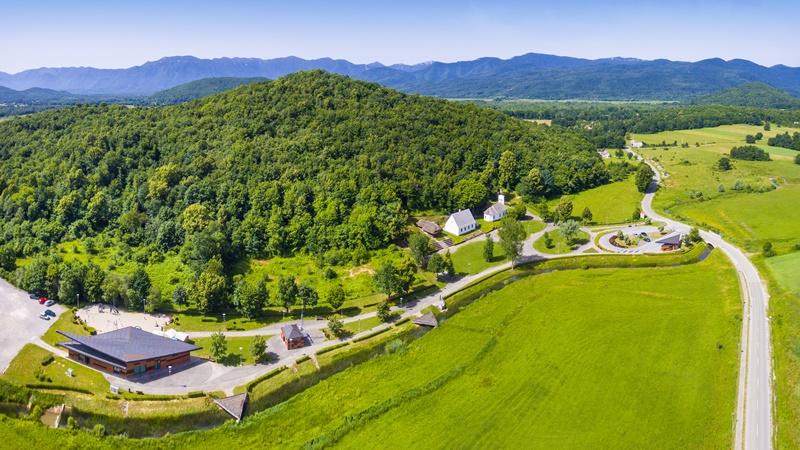 Photo of TJEDAN GOSPIĆA Zašto ovo malo ličko selo oduševljava posjetitelje iz cijelog svijeta?
