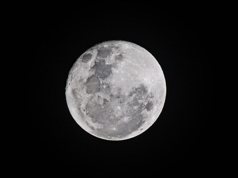 Photo of Večeras možete vidjeti najdužu pomrčinu mjeseca u ovom stoljeću