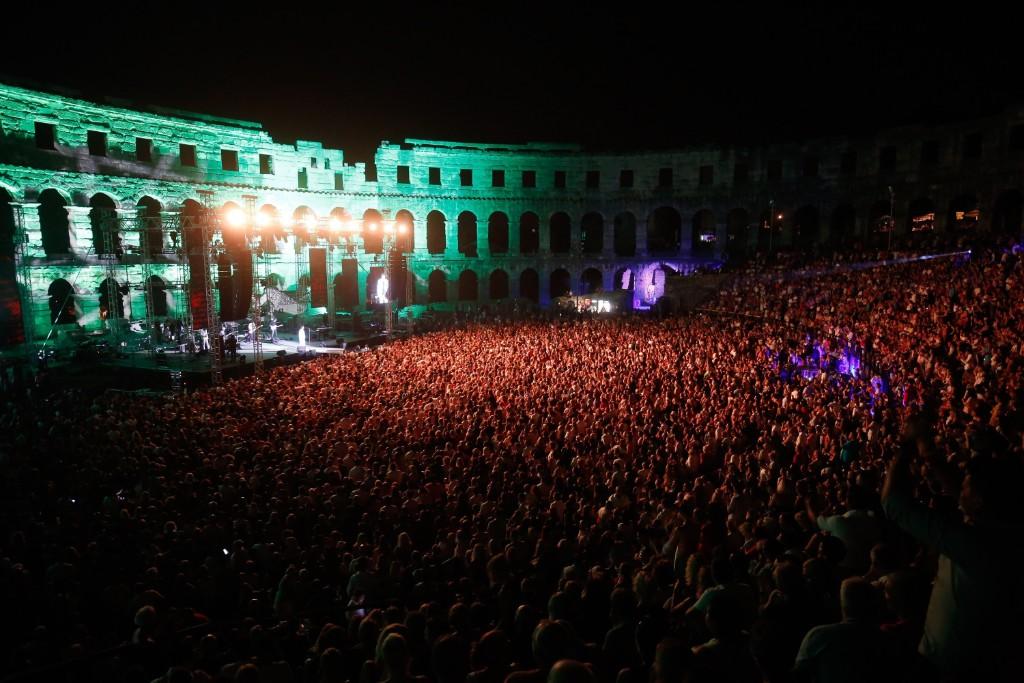 Photo of Rasprodanom pulskom Arenom najavljen koncert Zdravka Čolića u Zagrebu