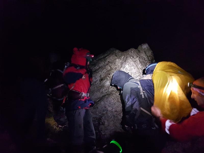 Photo of Nakon dramatične potrage HGSS sinoć spasio planinare koji su zapeli na Velebitu