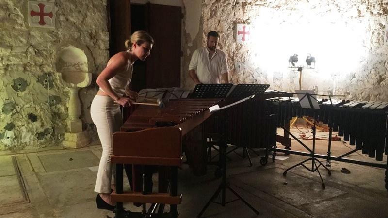Photo of Ivana Kuljerić Bilić nastupa u sklopu Silbenskog kulturnog ljeta