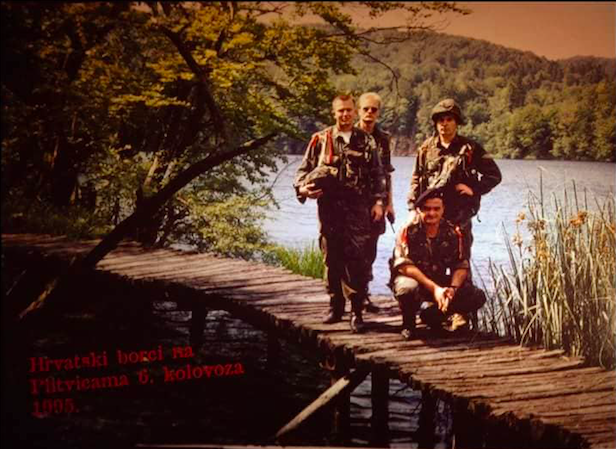 """Photo of SVJEDOČANSTVO IZ OLUJE: """"Mi, kao sanitet, bili smo treće vozilo koje je ušlo u oslobođenu Korenicu"""""""