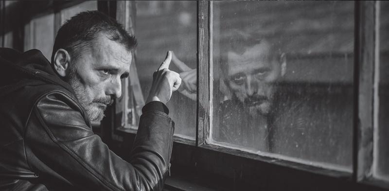 """Photo of Goran Bare & Majke pitaju se """"Zašto"""" – novi singl s rock albuma godine """"Nuspojave"""""""