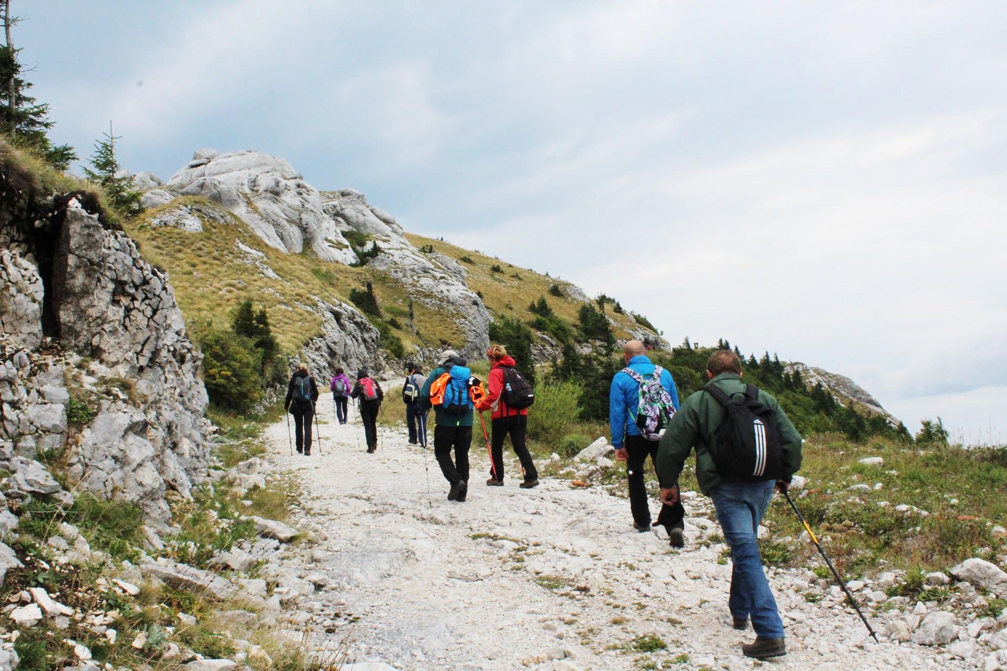Photo of Turistička zajednica Općine Plitvička Jezera poziva na tradicionalno pečenje pekmeza, a dan poslije planinarenje