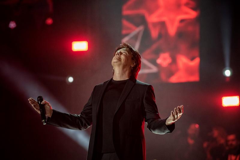 Photo of Zdravko Čolić oduševio publiku u prepunoj zagrebačkoj Areni