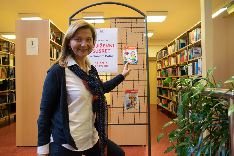 Photo of FOTO U Samostalnoj narodnoj knjižnici Gospić održan književni susret sa Sanjom Polak