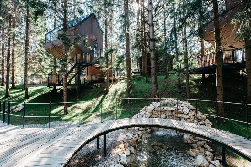 Photo of U Grabovcu je otvoren prvi hrvatski glamping resort s kućicama na drvetu