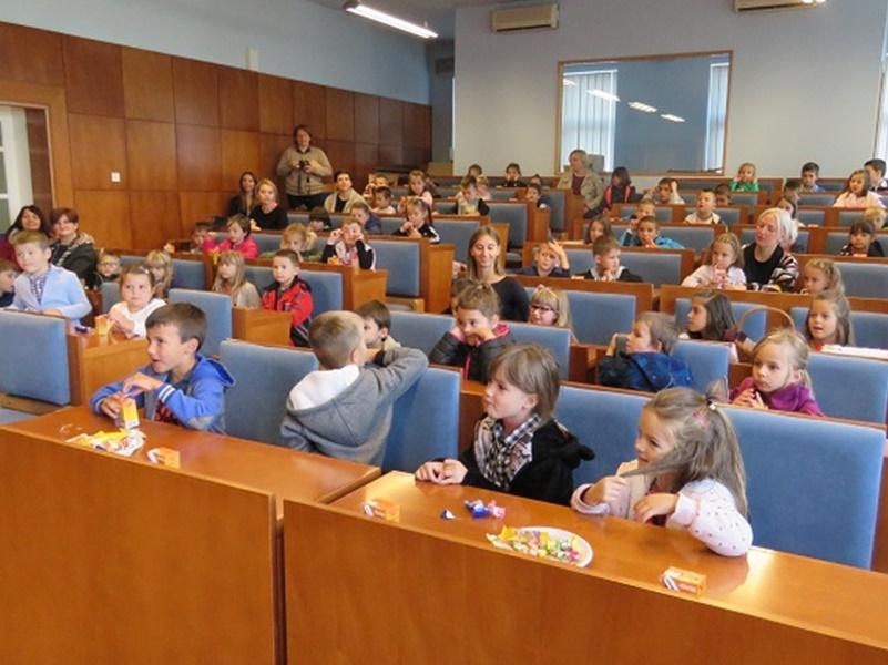 Photo of Gospićki mališani posjetili gradonačelnika Starčevića