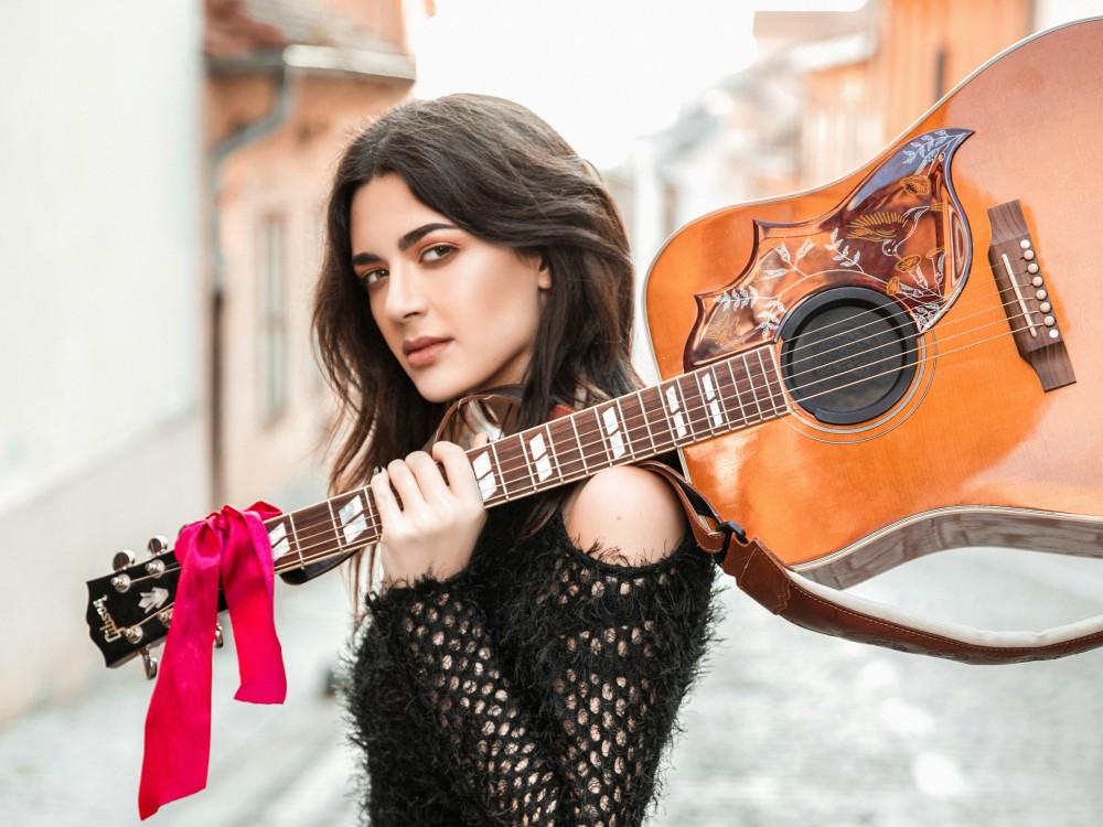Photo of Tajči pjevala s mladom glazbenicom: Mia Dimšić najavila božićni koncert u Lisinskom