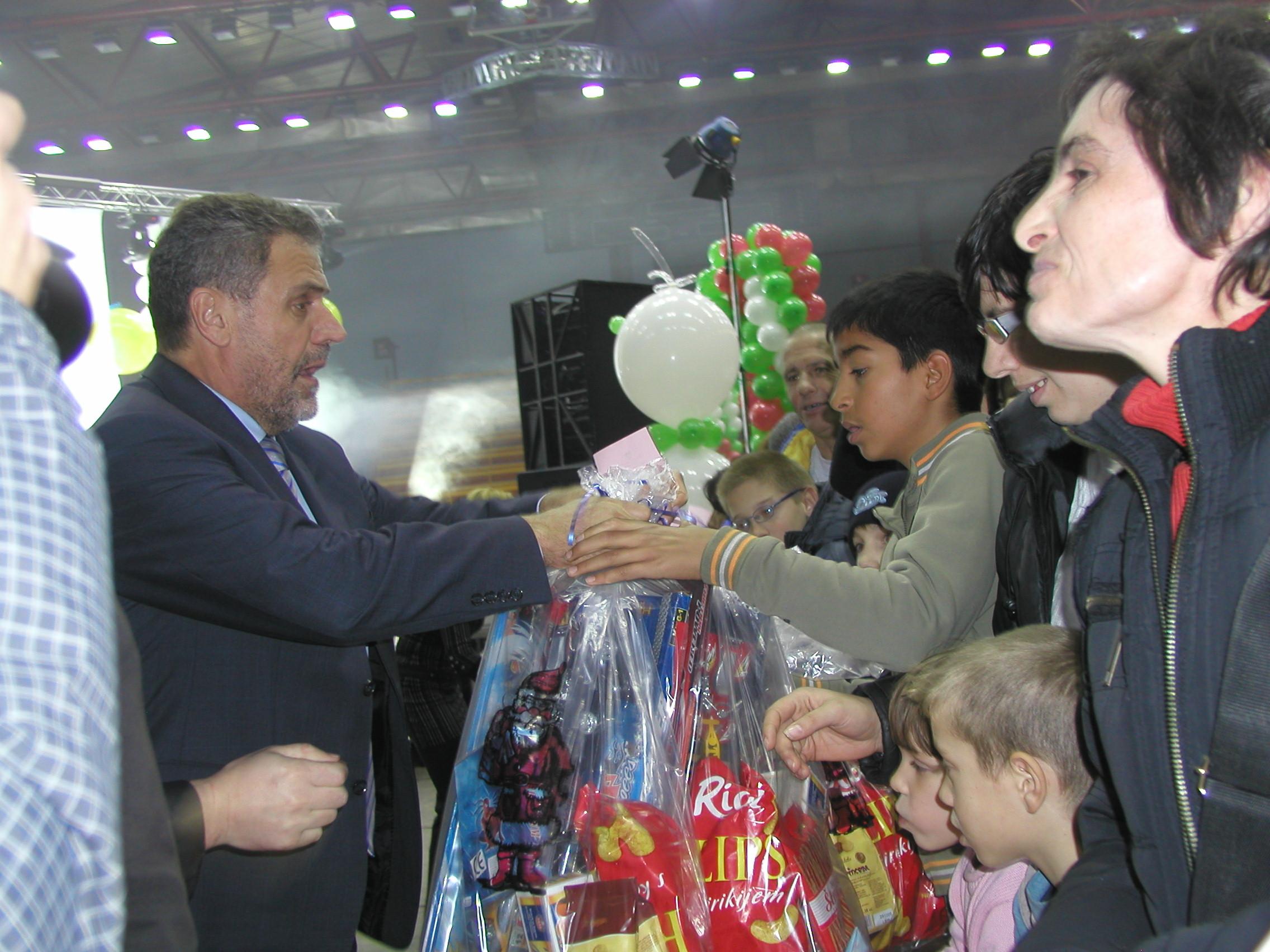 Photo of Sveti Nikola i ove godine daruje djecu hrvatskih branitelja