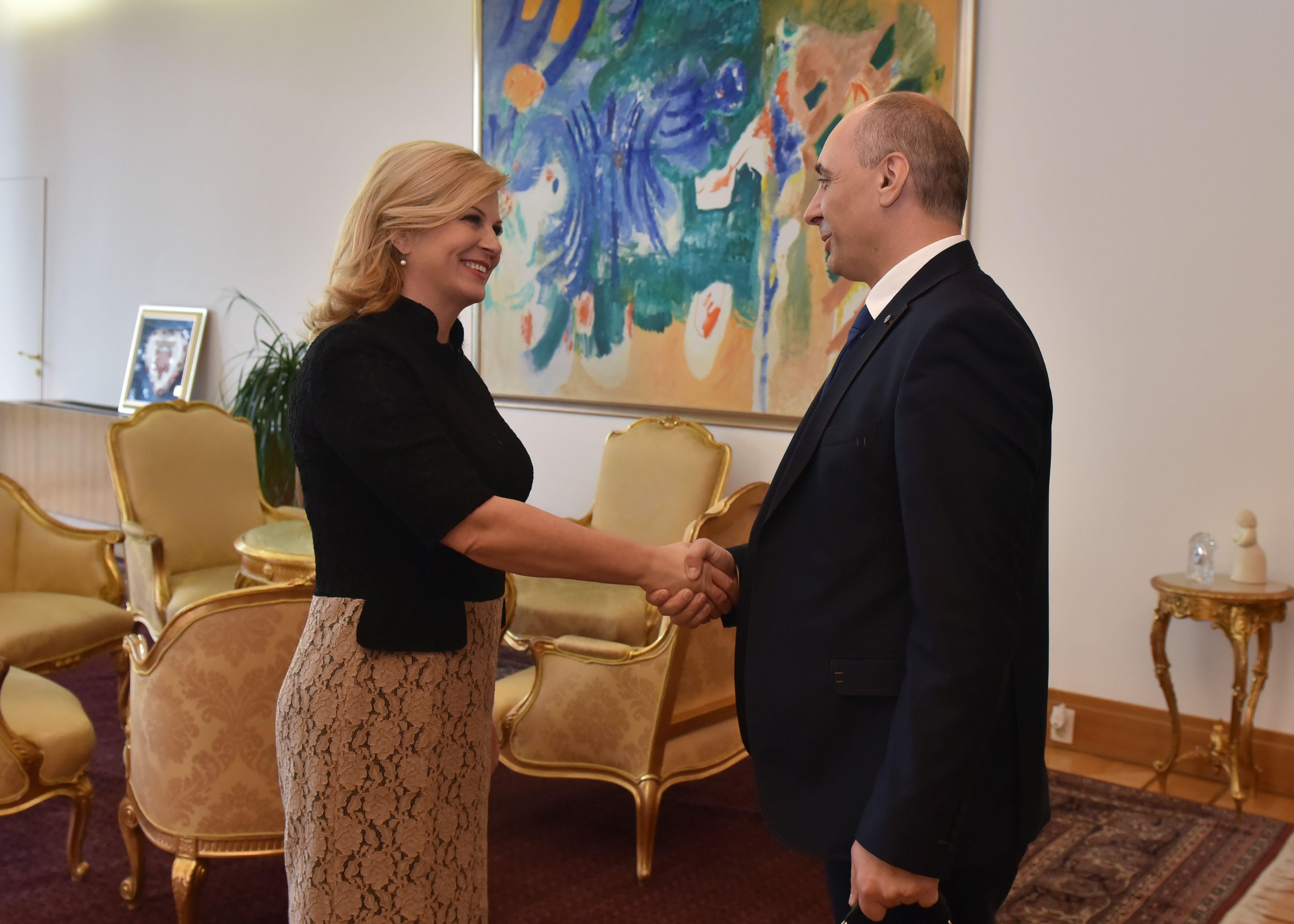 """Photo of Predsjednica ugostila nacionalnu manjinu Srba: """"Zabrinuti smo jer raste govor mržnje i netolerancije prema nama!"""""""