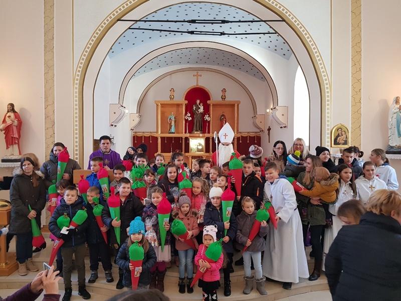Photo of FOTO Sveti Nikola posjetio Župu svetog Antuna Padovanskog u Ličkom Novom