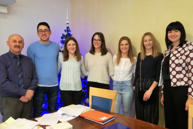 Photo of Gradonačelnik Starčević potpisao ugovore o stipendiranju studenata koje će financirati od svoje plaće