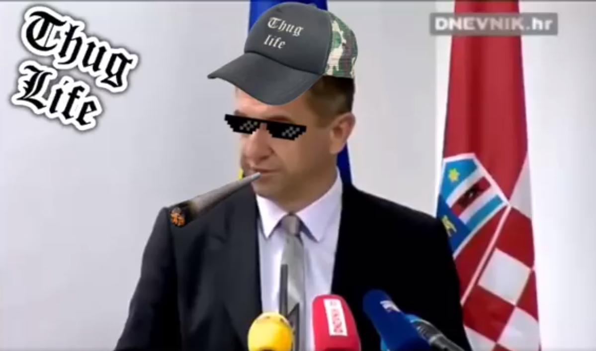 Photo of Božićna politička šala zabavlja Facebook, autor? Nezavisna lista mladih iz Gospića