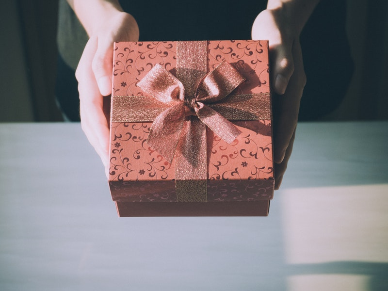 Photo of HUMANITARNA AKCIJA U GOSPIĆU Pogledajte predstavu i donacijom hrane ili odjeće uljepšajte Božić jednoj obitelji!