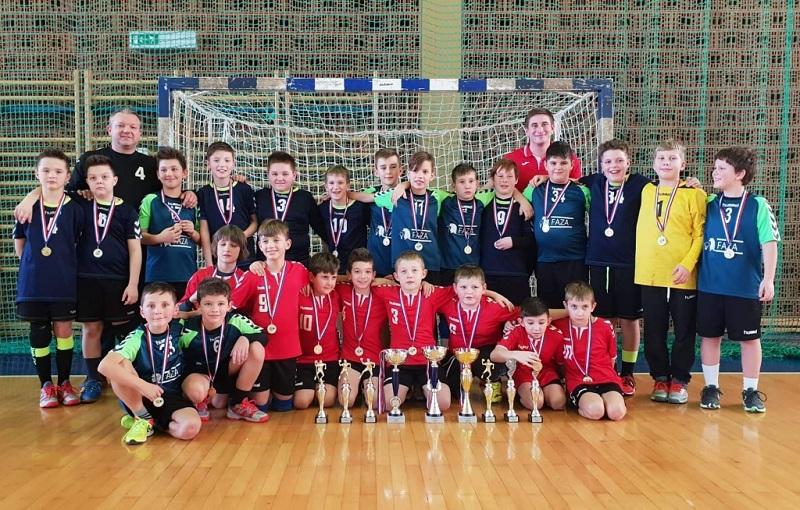 Photo of Mladi rukometaši iz Gospića osvojili tri zlata na turniru u Biogradu!
