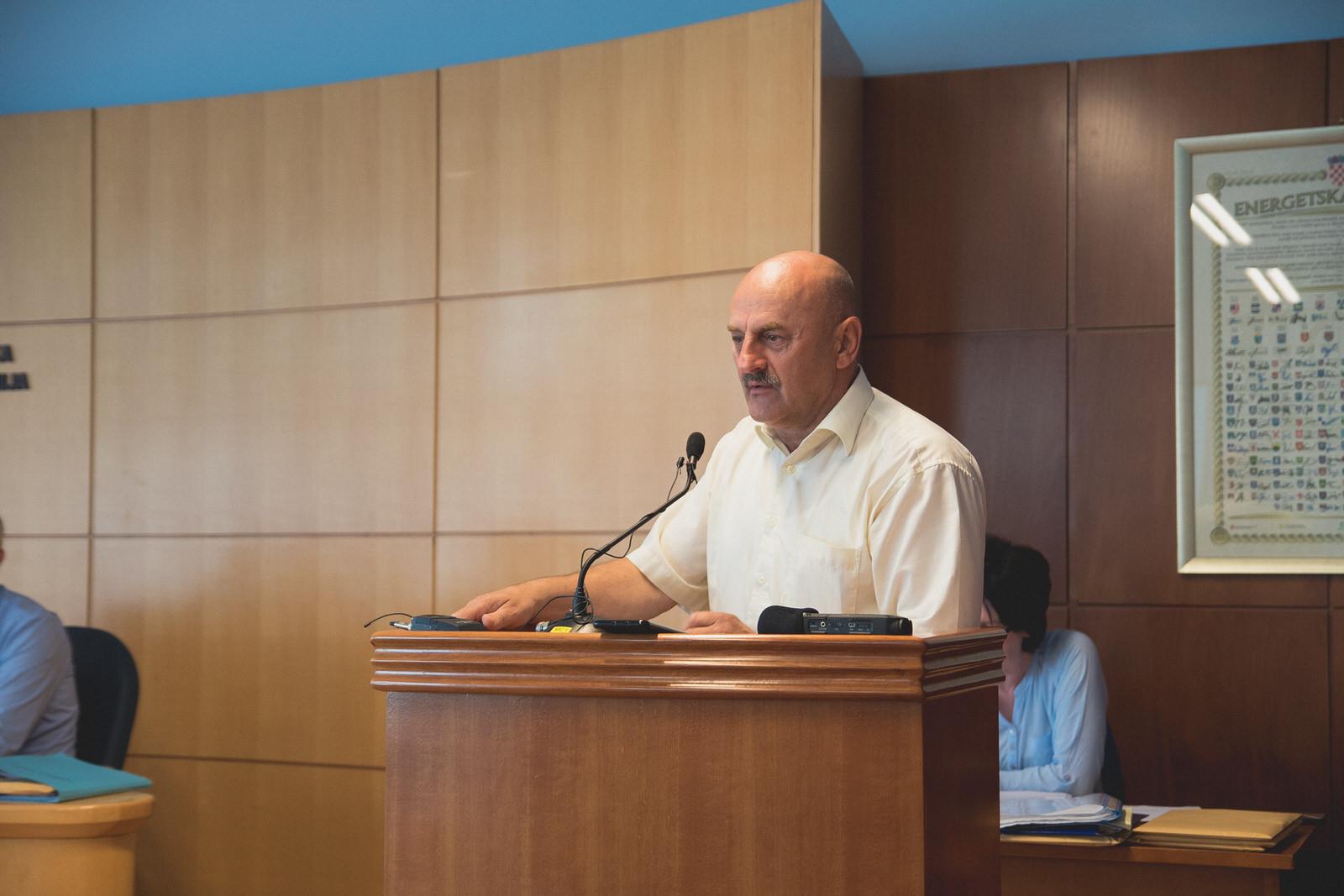 Photo of Karlo Starčević: HSP je dovoljno jak da ide sam na izbore, ali vrata su otvorena svima, osim onima koji traže privilegije i uhljebništvo