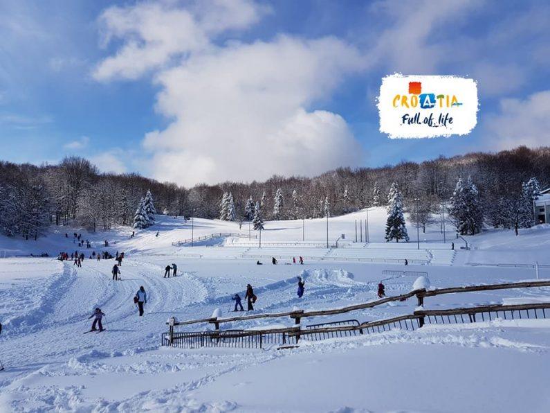 Photo of Turistička zajednica Ličko-senjske poziva na skijanje i sanjkanje na Mukinjama