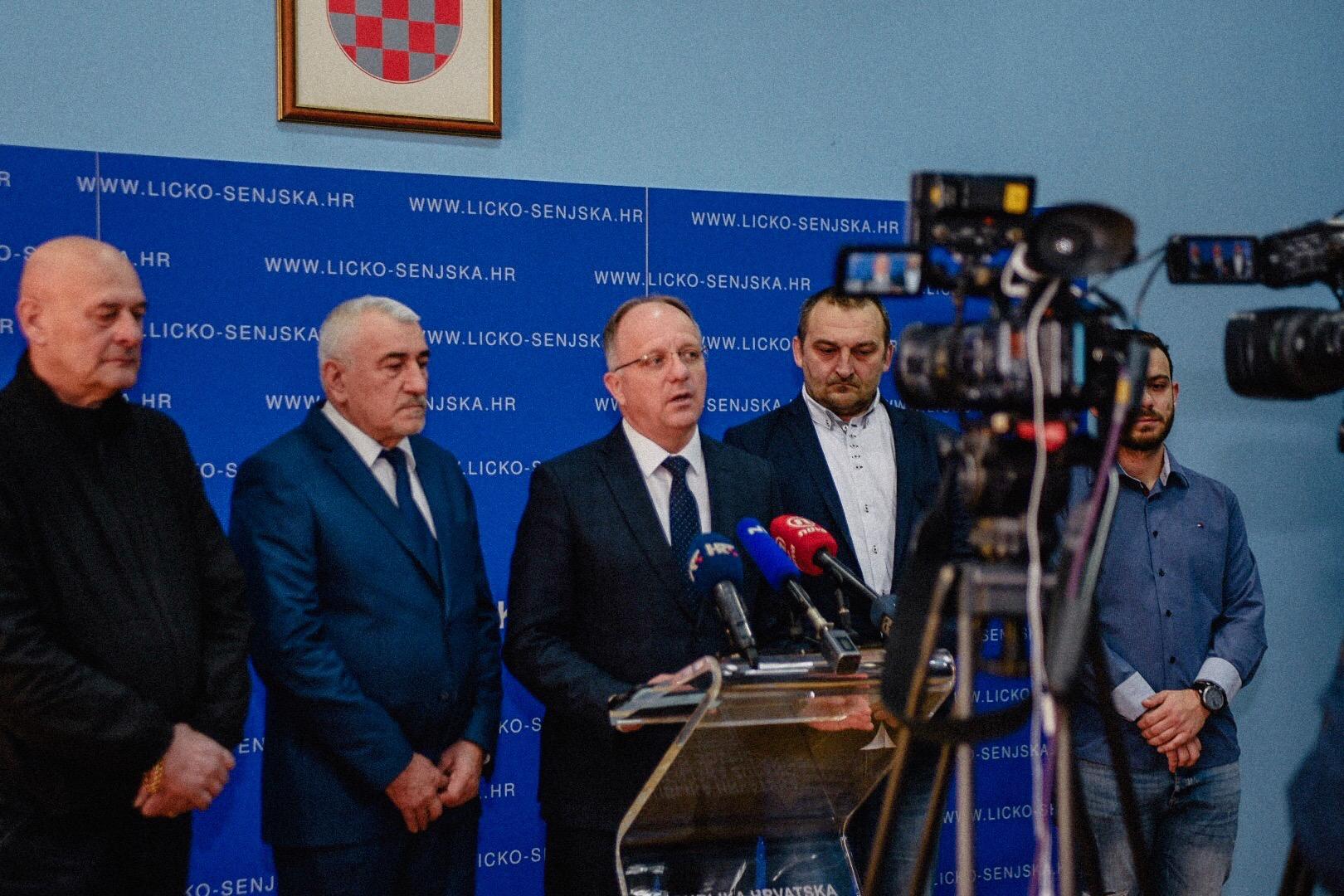 Photo of BURA PROMJENA U GOSPIĆU: Predstavili kandidate i objavili koliko mandata očekuju