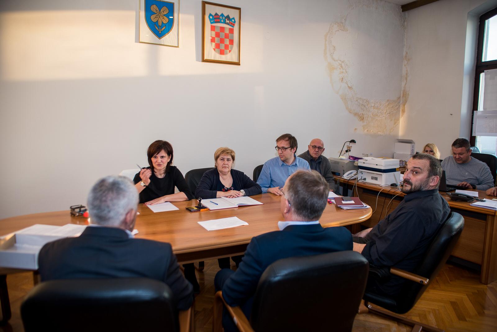 likaclub_politika-gospić_2019_bura-promjena-13