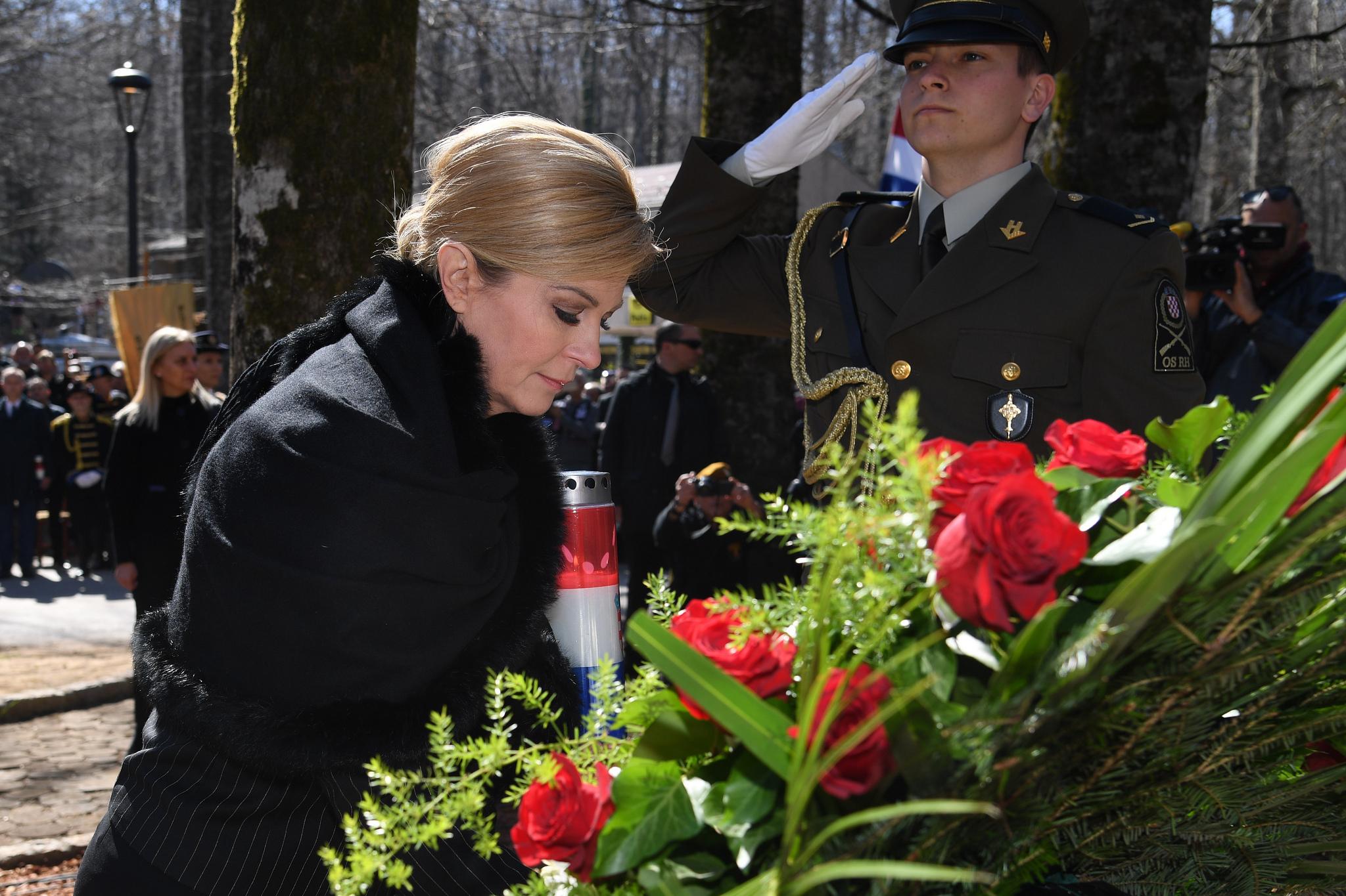 Photo of Državni vrh odao počast Josipu Joviću na Plitvičkim jezerima