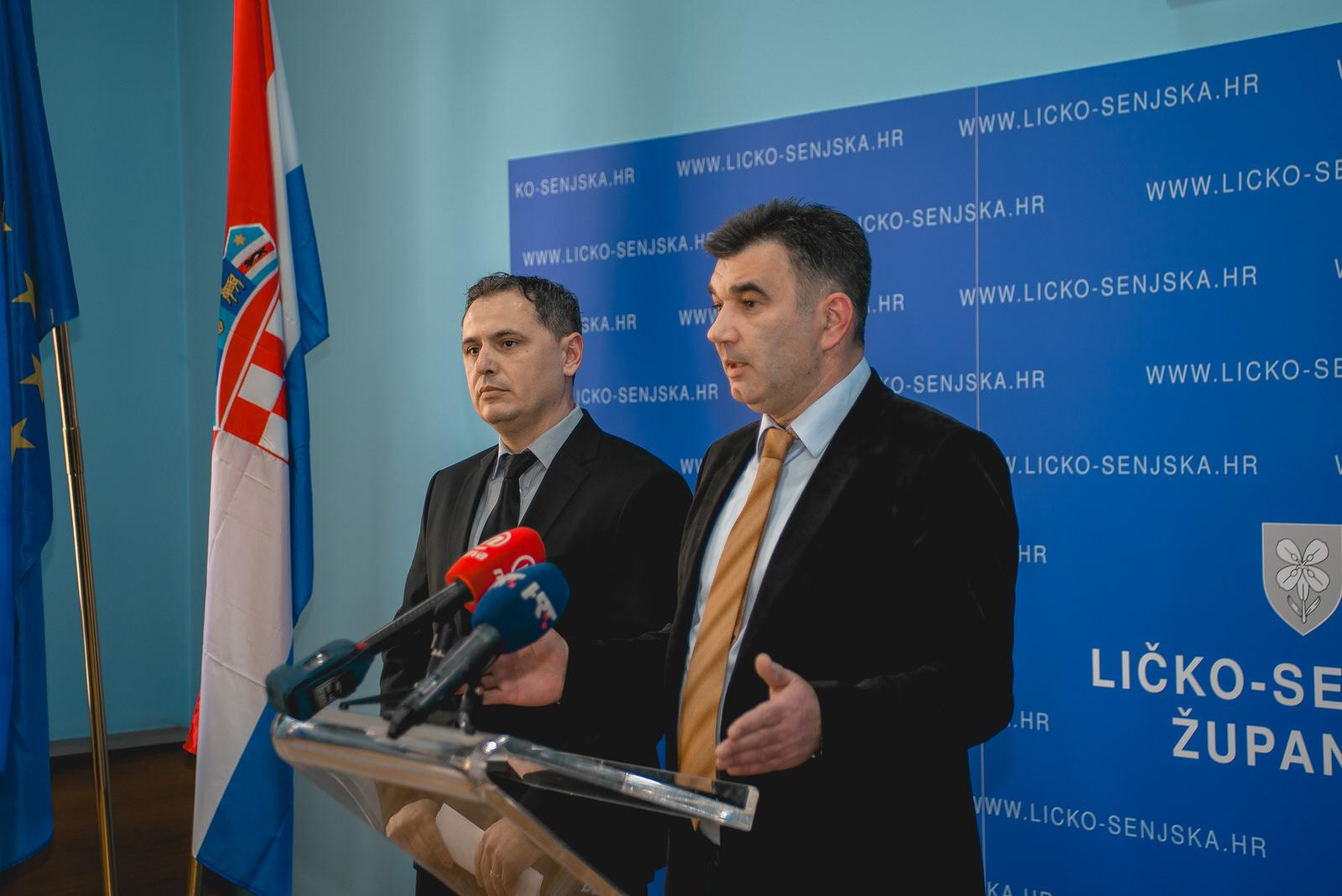 """Photo of Franić i Tomljanović na presici: """"Stečaj Ličko-senjske županije zbog političkog cirkusa u režiji HDZ-a"""""""