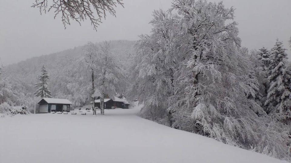 Photo of VELEBITSKA IDILA Na Zavižanu jutros palo 29 centimetara snijega!
