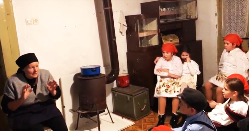 Photo of VIDEO Pogledajte film u kojem lička baka uči dječicu o uskrsnim običajima našeg kraja