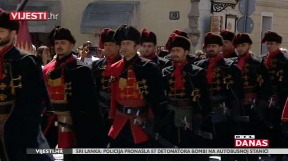 Photo of VIDEO Znaju li turisti da je kravata iz Hrvatske i po čemu smo još poznati?