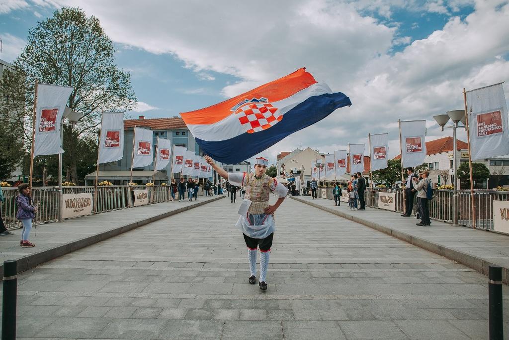 """Photo of VUKOVAR POKAZAO ZAJEDNIŠTVO: 2. Festival """"Svi zaJEDNO HRVATSKO NAJ"""" ujedinio Hrvatsku"""