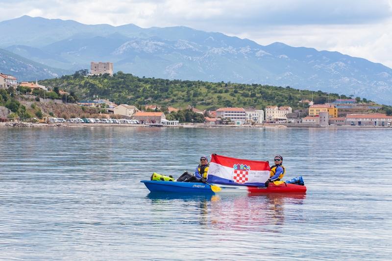 Photo of FOTO/VIDEO Krznarić i Piršljin veslali od Rijeke do Senja! U avanturi kajakom prešli 56 kilometara