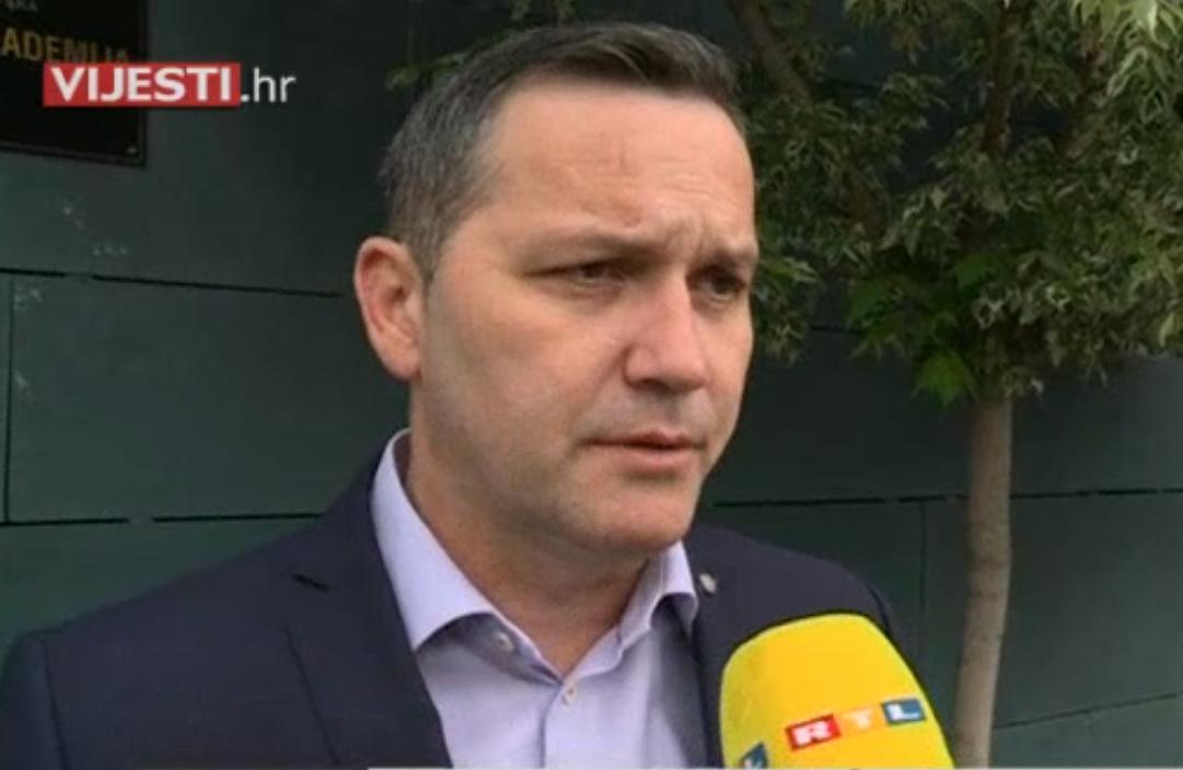 Photo of VIDEO Na inicijativu Marijana Kustića održan sastanak predstavnika Hajduka i HNS-a