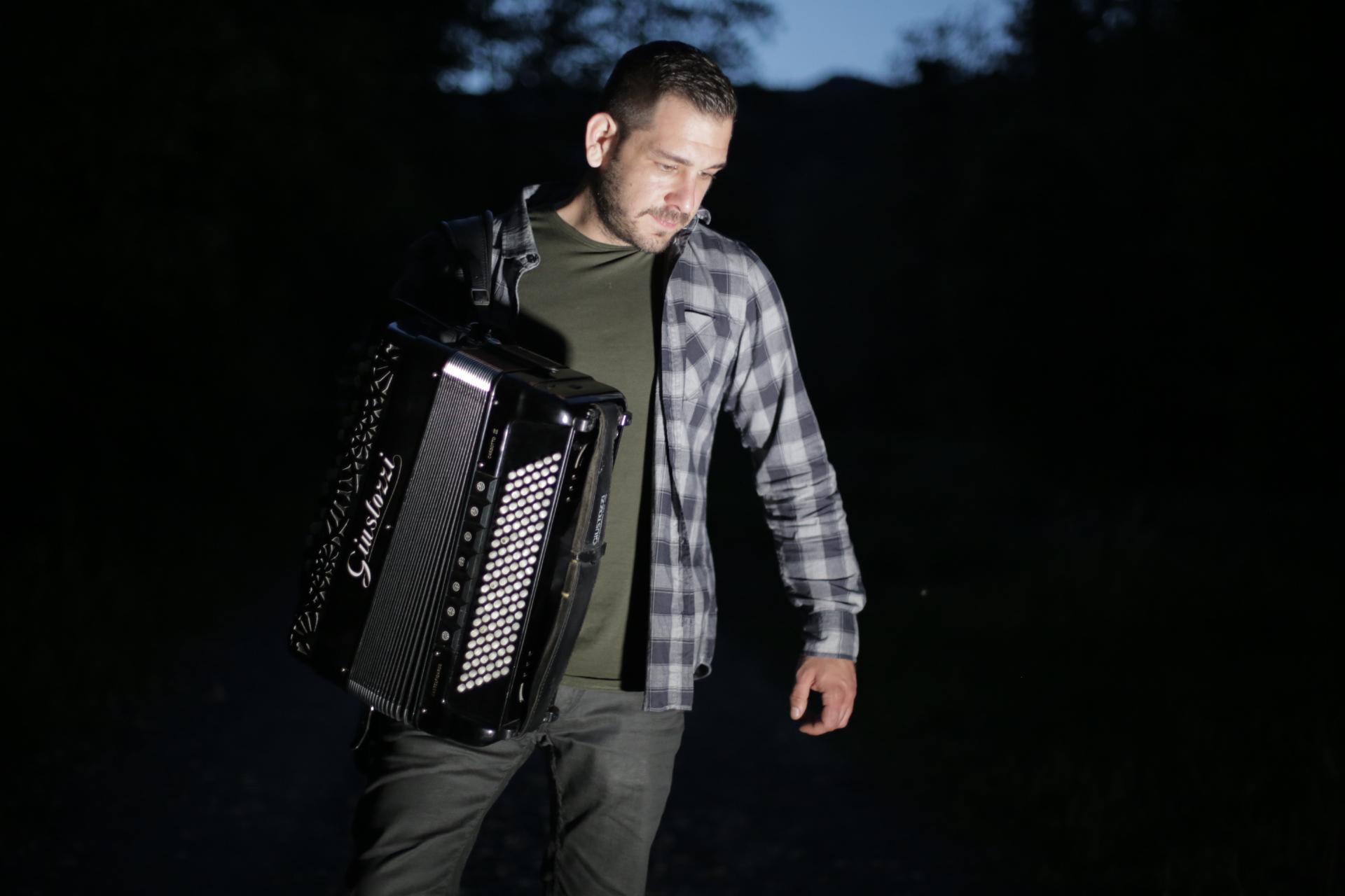 """Photo of Samir Nurkić još jednom oduševljava jedinstvenom obradom pjesme """"Ederlezi!"""""""