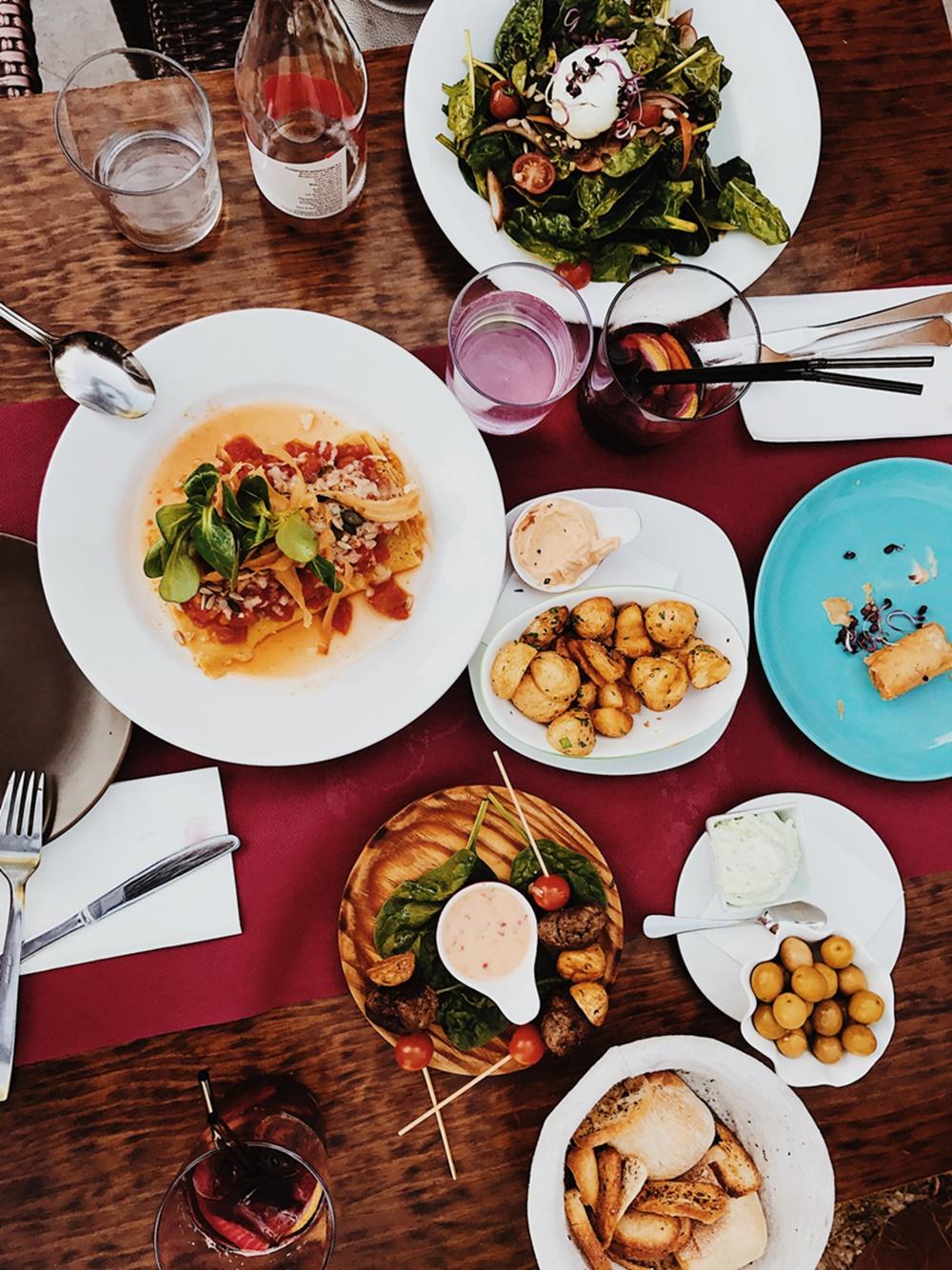 Photo of OSVIJEŠTENA DANSKA Preko platforme jeftino se kupuje hrana iz restorana- radi sprečavanja bacanja hrane!