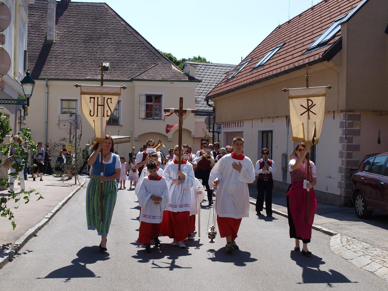 Photo of Danas je Tijelovo: Znate li zašto katolici slave ovaj blagdan?
