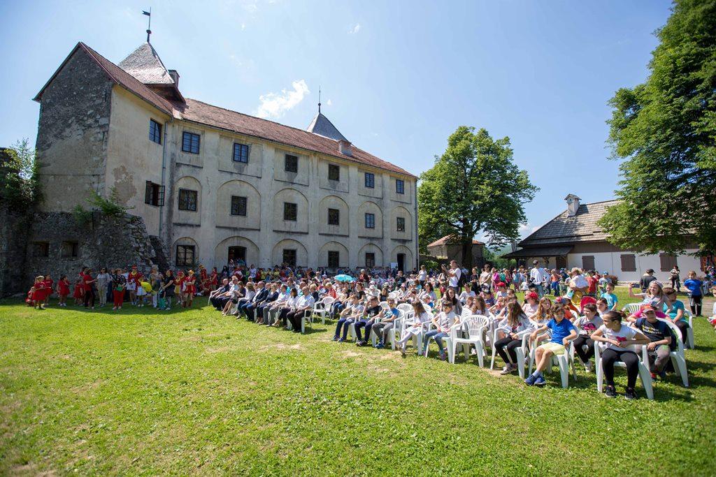 Photo of Svečano otvoren  14. Ogulinski festival bajke – mnogobrojni mališani pristigli iz svih krajeva Hrvatske!