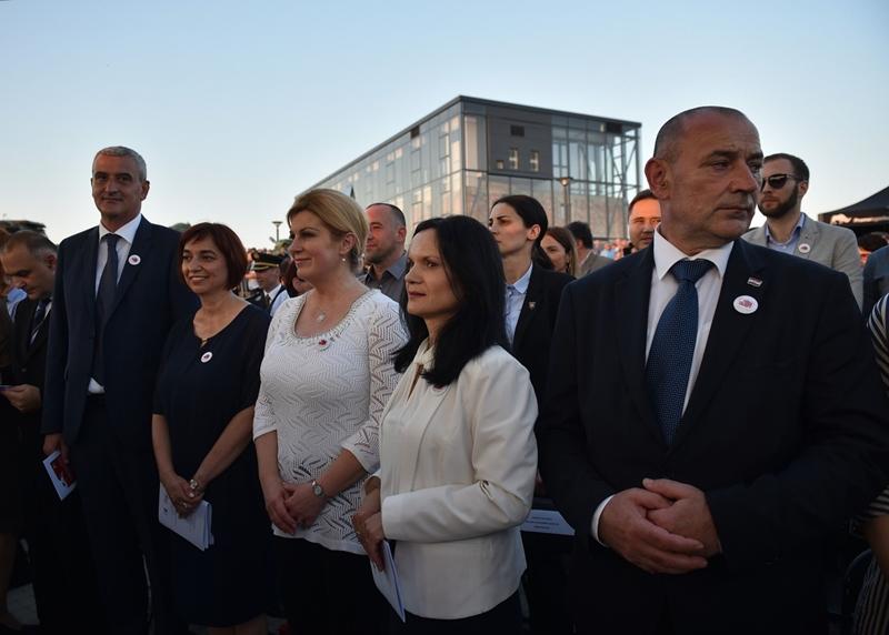 Photo of Predsjednica nazočila svečanom otvorenju Muzeja Domovinskog rata Karlovac – Turanj