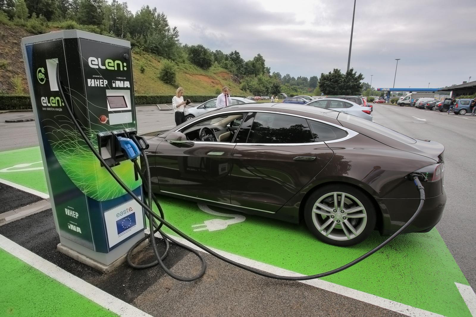Photo of U Brinju otvorena prva punionica za električne automobile