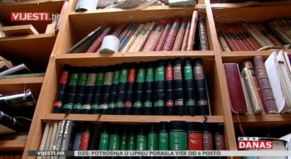 Photo of VIDEO Akademik ima 15000 knjiga, želi ih darovati, ali nitko ih neće preuzeti